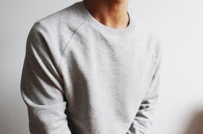 Raglan sweatshirt detail