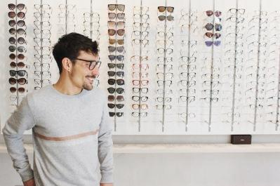 Martin essaye des lunettes (5)